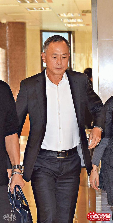 杜琪峰昨天(1月10日)下午约4时已抵达灵堂。